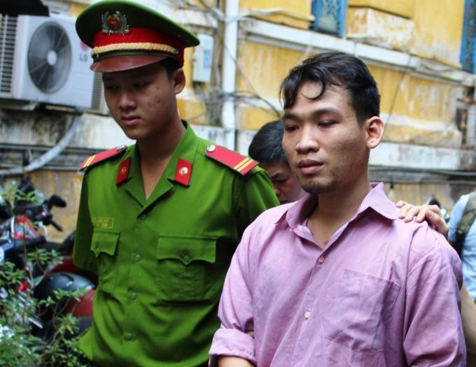 Nguyễn Duy Tân nhận án 3 năm tù.