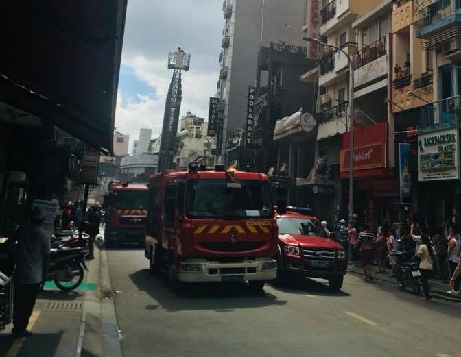 Vụ cháy xảy ra ở khu phố Tây sầm uất bậc nhất TP HCM.