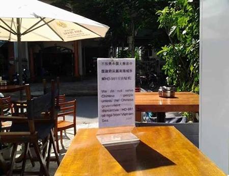 """Nha Trang: Khách sạn thông báo """"Không phục vụ khách Trung Quốc"""""""