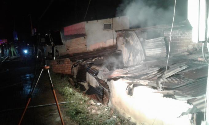Căn nhà bị lửa thiêu rụi.
