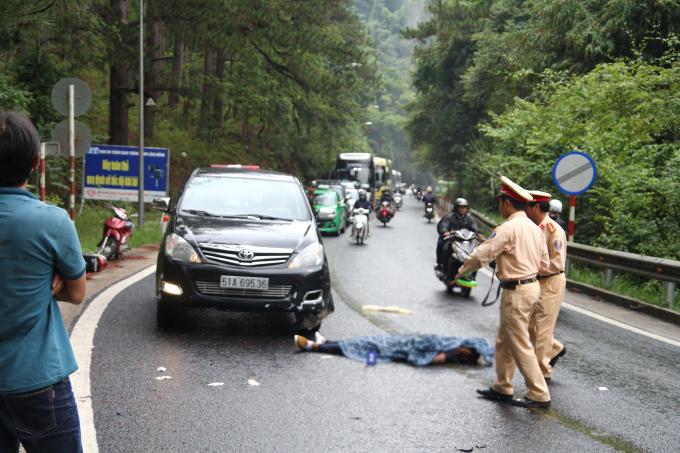 Sau va chạm với ôtô, 1 người thiệt mạng.