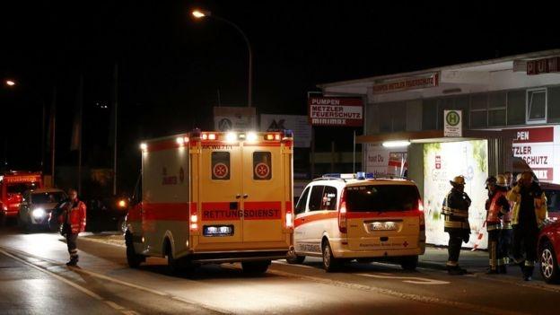 Xe cứu thương đến sau vụ tấn công. (Ảnh: Reuters)