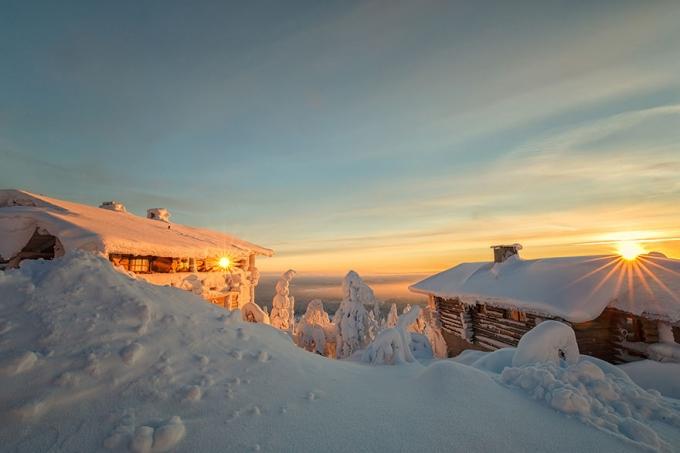 Lapland là điểm đến tuyệt vời cho dịp Giáng sinh với tuyết phủ trắng mọi thứ xung quanh. (Ảnh: Bored Panda)