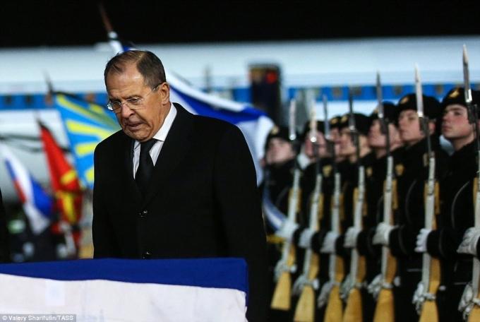Ngoại trưởng Nga Sergei Lavrov tham gia lễ tưởng niệm đại sứ Karlov. (Ảnh:TASS)