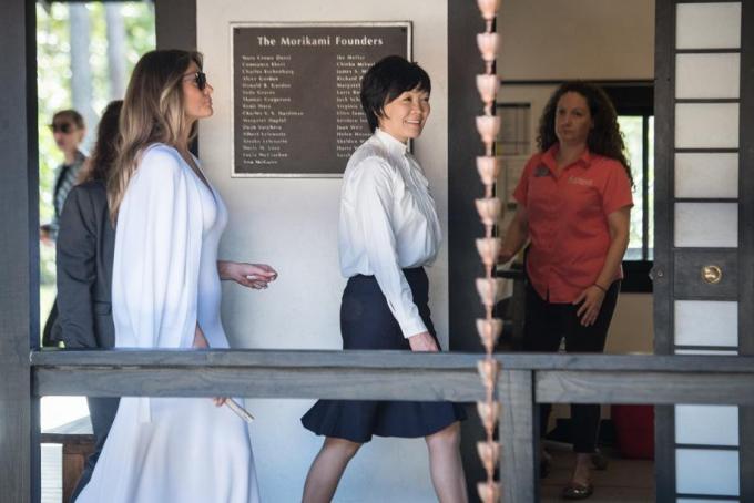 Trước đó vào ngày 10/2, bà Melania đã phá vỡ truyền thống khi không đồng hành với bà Aike trong ngày đầu tiên đệ nhất phu nhân Nhật Bản tới Mỹ. (Ảnh:Palm Beach Post)