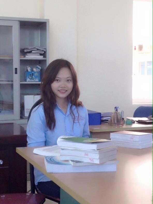 Thí sinh Hoàng Dương Mai,chiều cao: 1m60, số do 3 vòng: 90-65-92