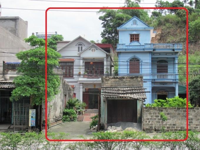 Hai ngôi nhà được xây dựng kiên cố trên phần diện tích đất đang xảy ra tranh chấp.