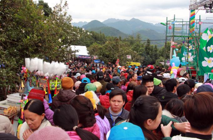 Lễ hội Hoa Sở, một trong những sự kiện thu hút hàng chục nghìn du khách đến với Bình Liêu.