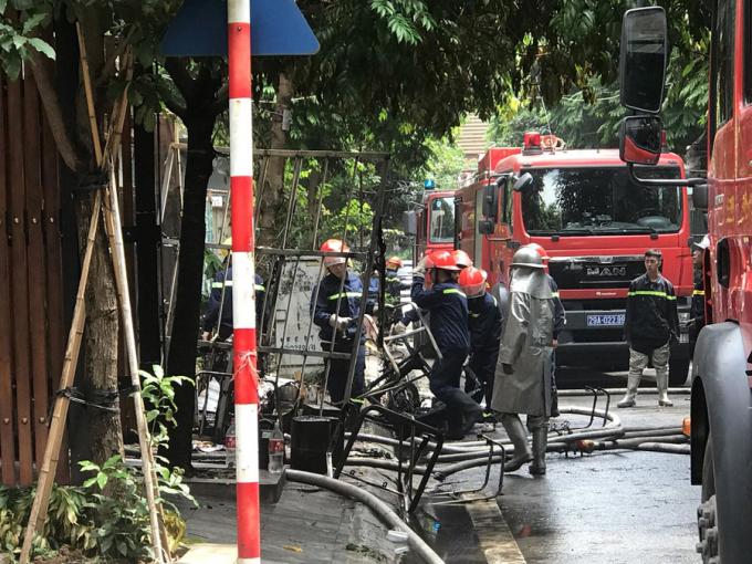 Hà Nội: Hỏa hoạn bao trùm hai ngôi nhà khiến một người thiệt mạng