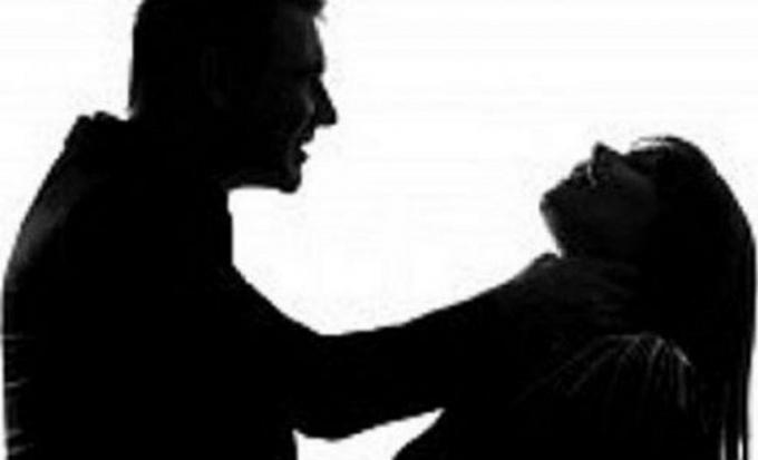 Nạn nhân bị bóp cổ dẫn đến tử vong (ảnh minh họa).