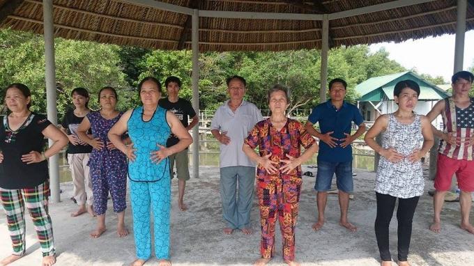 Buổi tập khử trược ngũ tạng của học viên Totha tại khu rừng sinh thái.