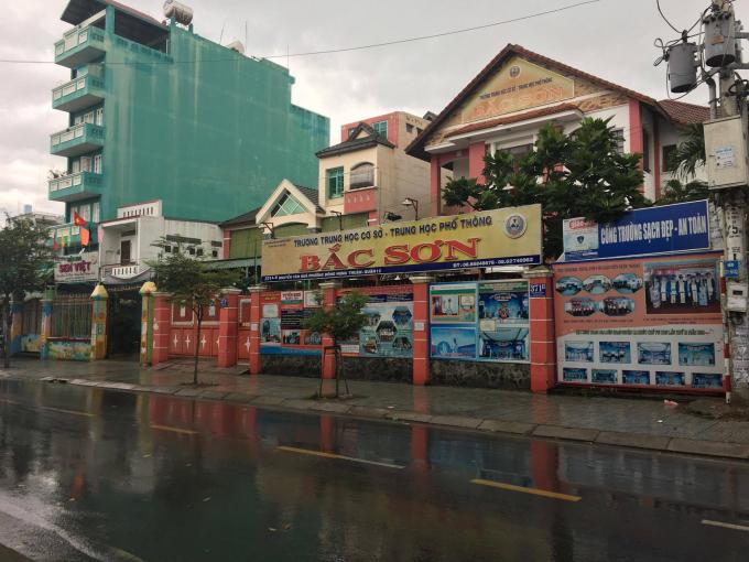 Trường THCS-THPT Bắc Sơn tại phường Đông Hưng Thuận, quận 12.