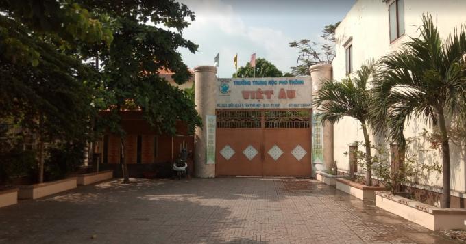 Trường THPT Việt Âu tại phường Tân Thới Hiệp, quận 12.