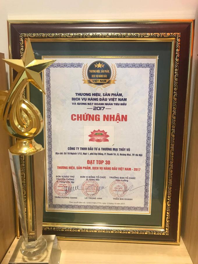 Chamomile lọt Top 30 thương hiệu, sản phẩm, dịch vụ hàng đầu Việt Nam năm 2017.
