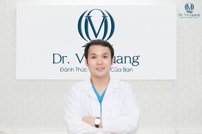 Bác sĩ Vũ Quangluôn tâm huyết làm hết mình và thực hiện những tiêu chí khắc khe cả về tư vấn, dịch vụ phẫu thuật, sản phẩm sử dụng lẫn việc bảo hành vẻ đẹp cho khách hàng