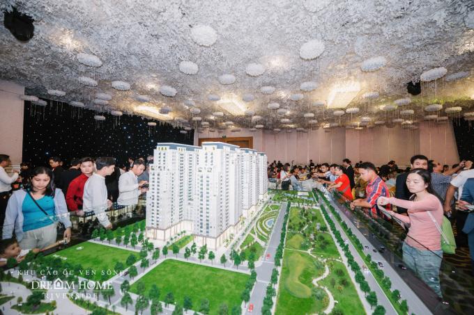 Các khách hàng tham dự đều hài lòng về quyết định chọn Dream Home Riverside làm nơi an cư và đầu tư sinh lợi.