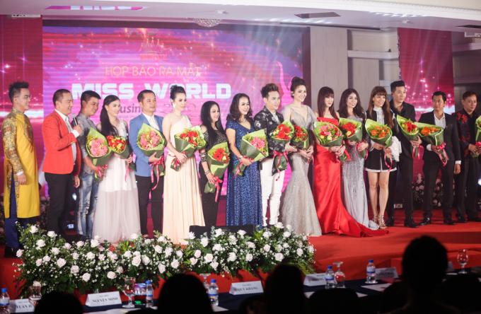 Lễ ra mắt thu hút đông đảo nhiều thí sinh tham dự.