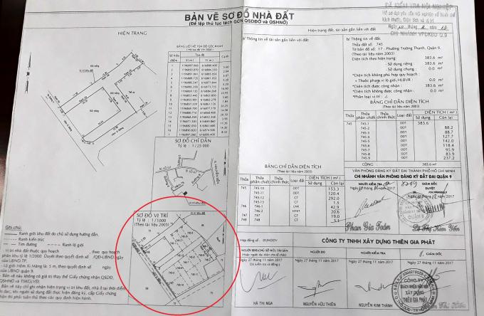 Hồ sơ tách thửa đối với diện tích đất của các cá nhân nhận chuyển nhượng một phần thửa đất trên đã hoàn tất theo bản vẽ sơ đồ nhà đất lập ngày 27/11/2017, có xác nhận của Chi nhánh Văn phòng Đăng ký đất đai quận 9 ngày 10/12/2017 (đã kiểm tra nội nghiệp) thể hiện có nhiều thửa đất phân chiết không nằm trong phạm vi thửa đất tranh chấp.