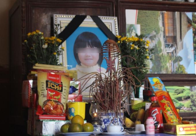 Đã hơn 40 ngày trôi qua nhưng vẫn chưa tìm được kẻ tài xê đã gây ra cái chết cho cháu Nguyễn Ngọc Hà Linh.