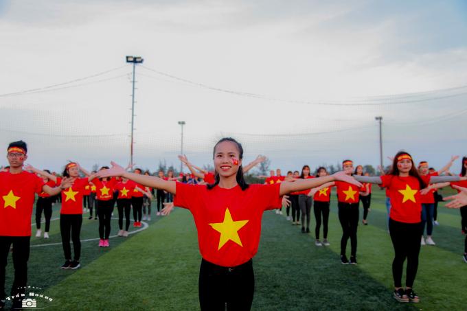 Chúc đội tuyển U23 Việt Nam sẽ có chiến thắng đi vào lịch sử, chiến thắng viết nên kỳ tích của những con người Việt Nam.