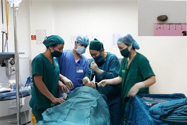 Một ca mổ lấy dị vật được thực hiện tại bệnh viện đa khoa Hà Tĩnh.