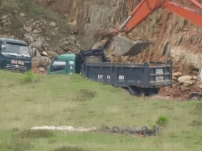 """Hà Tĩnh: Tràn lan nạn khai thác đất núp bóng """"xây dựng nông thôn mới"""""""