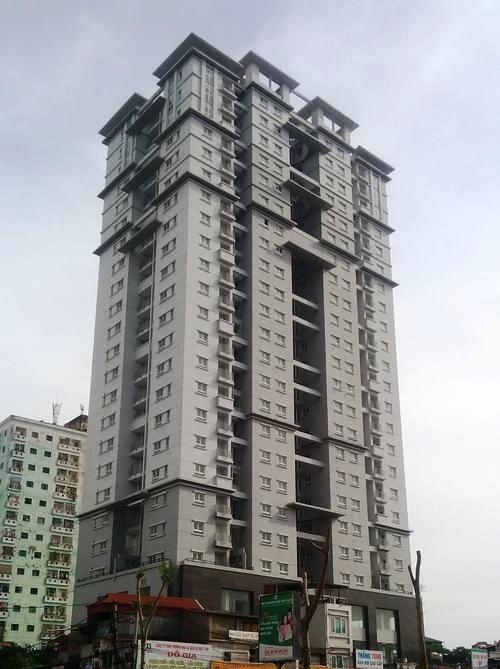 Toà nhà 4A Tạ Quang Bửu an toạ trên khu đất vàngthuộc quận Hai Bà Trưng, Hà Nội.