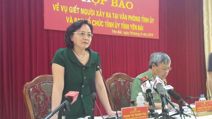 Bà Phạm Thị Thanh Trà - Chủ tịch UBND tỉnh Yên Bái chủ trì cuộc họp báo.