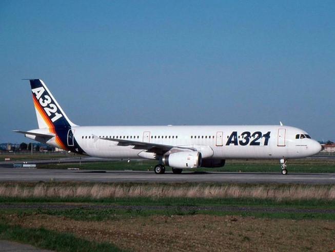 Máy bay Airbus mang mã hiệu A321.