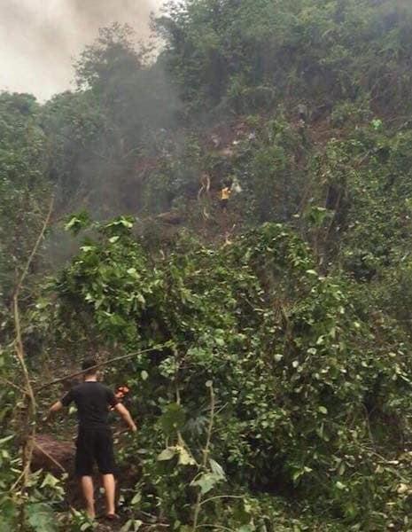 Nóng - Máy bay rơi trên núi ở Nghệ An: Đã xác định danh tính 2 phi công hi sinh