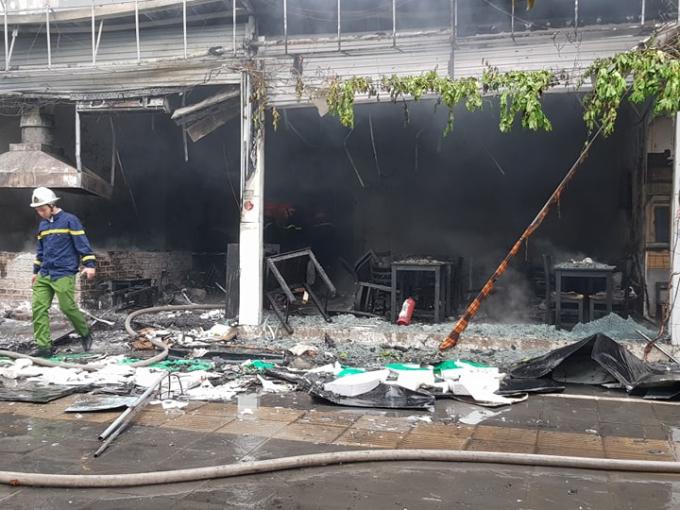 Đám cháy đã thiêu rụi nhiều đồ đạc của điểm kinh doanh này.