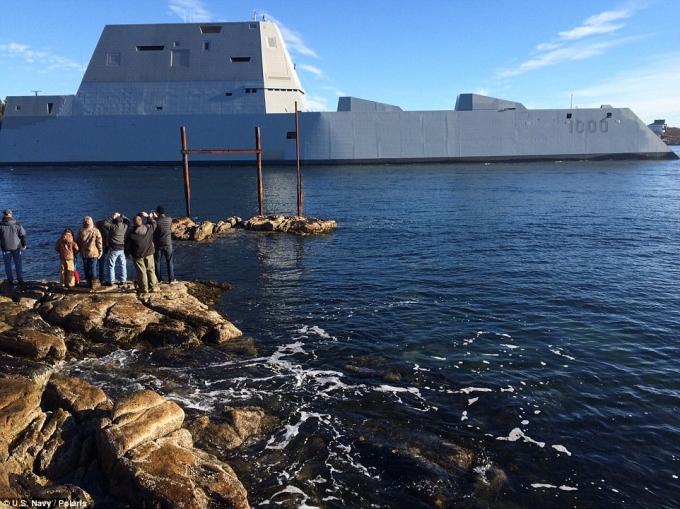Cải tiến về công nghệ giúp Zumwalt chỉ cần thủy thủ đoàn quy mô bằng một nửa so với các tàu có kích thước tương tự