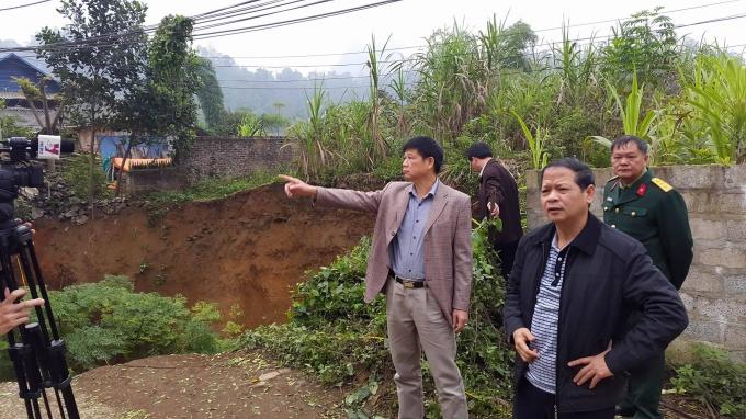 Ông Lý Thái Hải, Chủ tịch UBND tỉnh Bắc Kạn đã trực tiếp có mặt tại hiện trường để chỉ đạo công tác khắc phục sự cố.