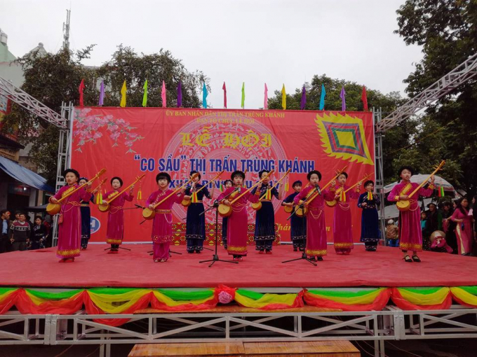 Hát Then tại hội dân gian truyền thống Co Sầu (Ảnh: Page Phong cảnh và con người Cao Bằng).