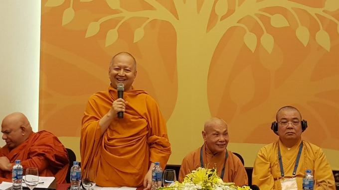 Hòa thượng Brahmapundit,Viện trưởng MCU, Chủ tịch Ủy ban Quốc tế Ngày Vesak Liên Hiệp Quốc (ICDV) phát biểu tại buổi họp báo.