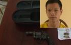 Khởi tố đối tượng nhặt được súng quân dụng mang đi giải quyết mâu thuẫn