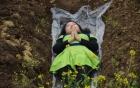 Phụ nữ đau khổ trong hôn nhân trải nghiệm chết để làm lại cuộc đời