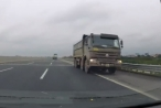 """""""Hung thần xa lộ"""" ngang nhiên đi ngược chiều trên cao tốc"""