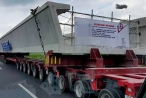 Chuyện nghề của lái xe đầu kéo 172 bánh khủng nhất Việt Nam