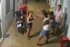 [Clip]: Người đàn ông xăm trổ ngang ngược dùng vũ lực với 2 cô gái