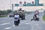 Đề nghị xử lý nghiêm tình trạng mô tô, xe máy đi vào cao tốc Đại lộ Thăng Long