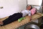 Vợ ăn lá ngón tự tử vì nghi chồng gọi điện cho bồ