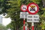 Tài xế Uber, Grab Hà Nội: 'Muốn về nhà chắc phải xé logo'