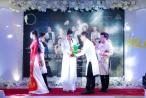 Xuất hiện quyền lực trên 'ghế nóng', Hoa hậu Dy Khả Hân đấu giá thành công vật phẩm Song Ngư Liên Hoa