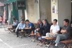 Tổng thống Argentina ngồi cà phê vỉa hè tại Hà Nội