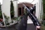 Clip: Nghi phạm vừa livestream, vừa xả súng kinh hoàng ở New Zealand