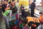 Hàng tấn cá trê được phóng sinh xuống sông Sài Gòn