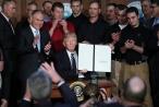 Trump xoá chính sách chống biến đổi khí hậu thời Obama