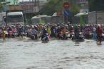 Clip người dân Miền Tây 'vượt Sông' rời khỏi TP HCM dịp lễ 30/4