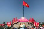 Thiêng liêng Lễ thượng cờ bên bờ Hiền Lương mừng Ngày thống nhất